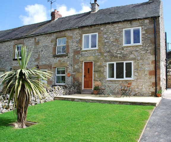 Godfrey Hole Cottage - 2 bedrooms - Carsington - House