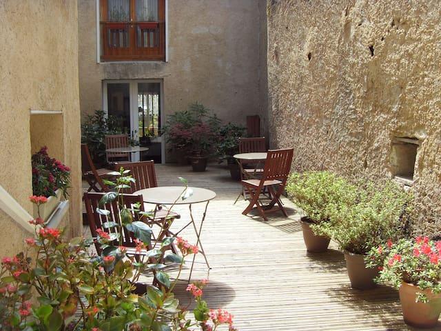 Au coeur de Lectoure chambre safran - Lectoure - ที่พักพร้อมอาหารเช้า