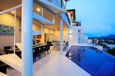 SEAVIEW, 8 Bdrm, Private Pool Villa - Rawai - Villa