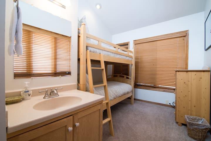 3rd bedroom with bunk bed (sleeps 2)