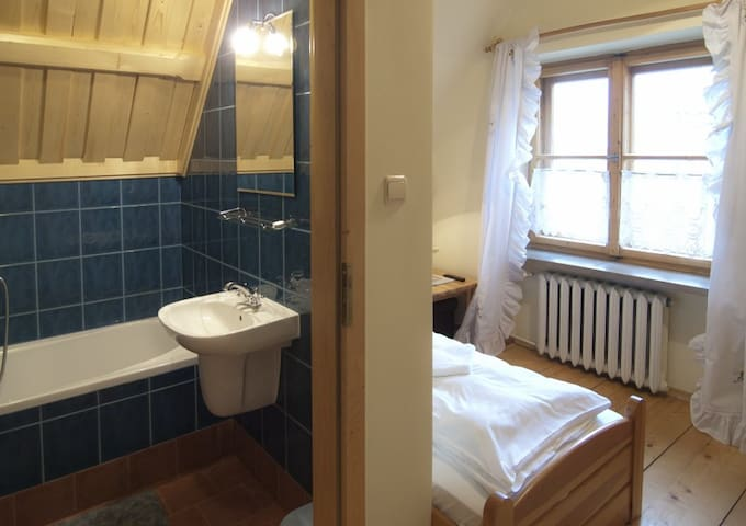 POKÓJ 1 OSOBOWY - SINGLE ROOM