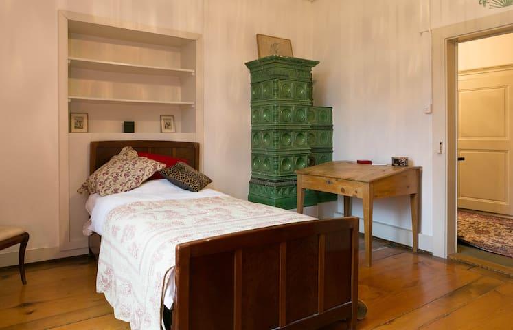Chambre double dans un château - Givisiez