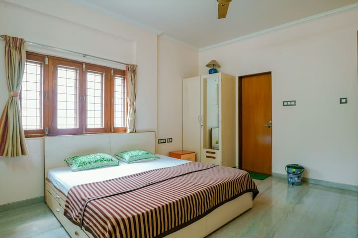 Private Room in furnished Bungalow in Wakad, Pune