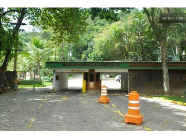 Excepcional Loft em área verde de floresta - Rio.