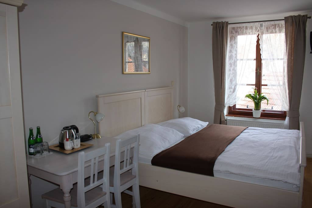 standard room with large double bed