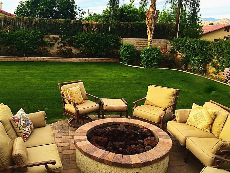 Gas firepit with plenty of room to relax