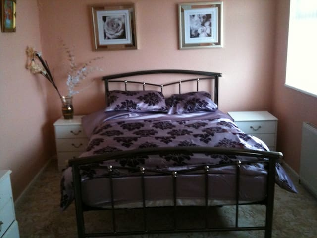 large double room - Leeds - Dom