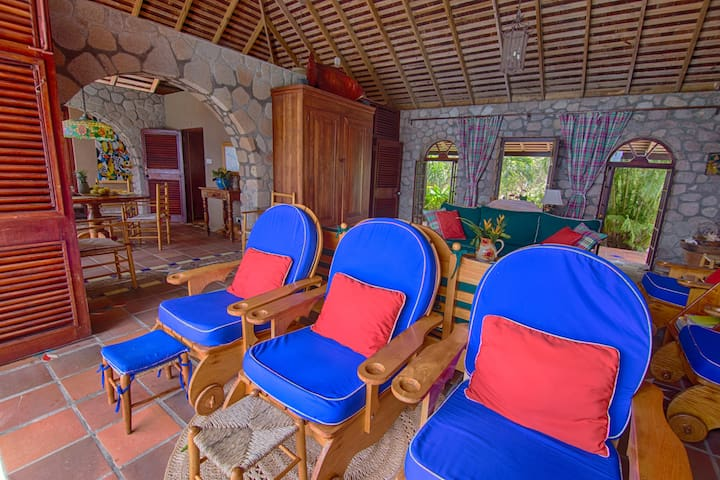 Nearly everything in the villa is hand crafted or hand made by local wood workers, potters and artists.