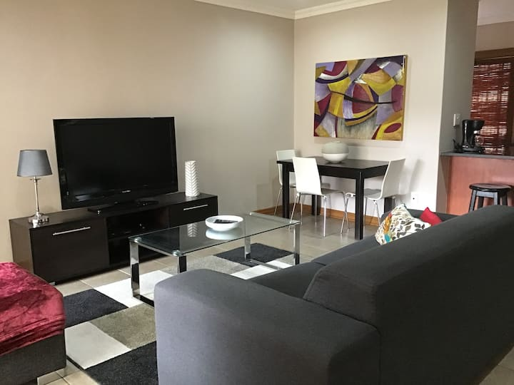 Fully furnished 2 bedroom Townhouse  Bloemfontein