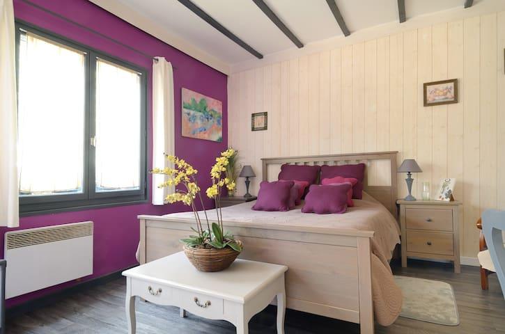 Aix en Provence .Chambre à la Campagne