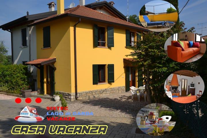 CASA VACANZA, tipica casa di Lago - Peschiera del Garda - บ้าน