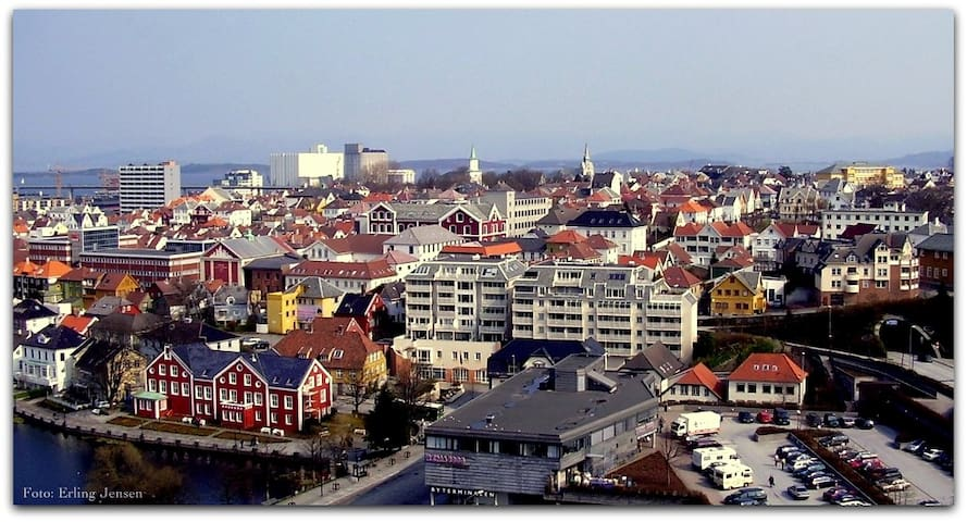 City room in a quiet residential area - Stavanger - Apartemen