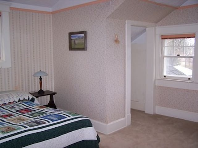 Laird House B&B--North Room