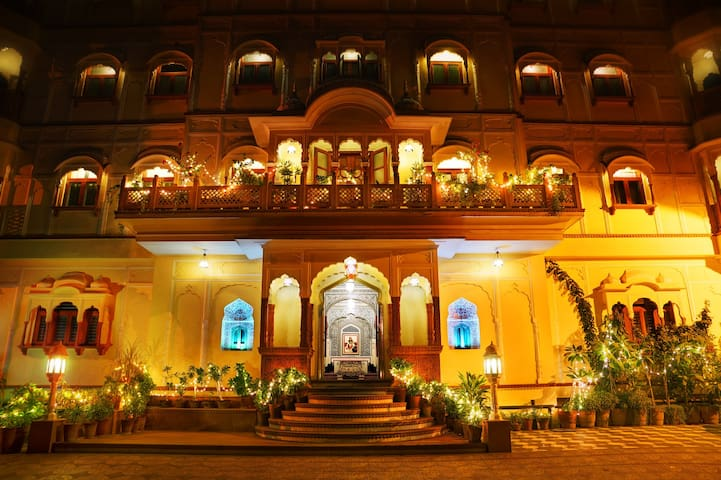 Discover India under one roof ! - Jaipur - Castell