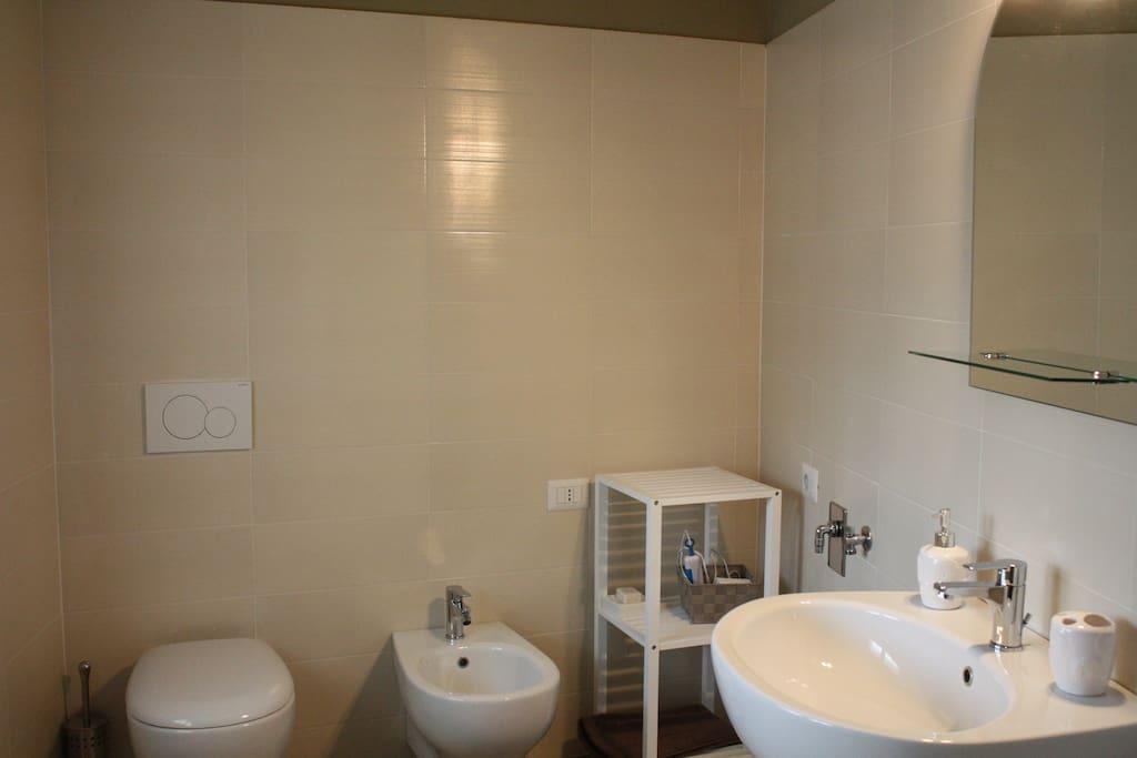 bagno ad uso esclusivo attiguo alla camera