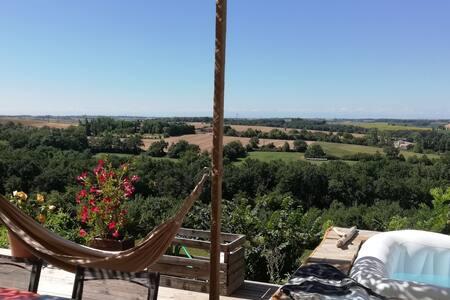 Lanta : Maison de village avec vue imprenable