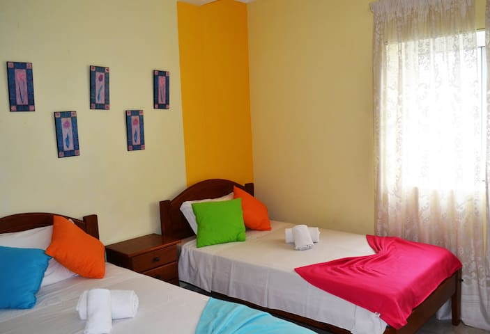 Twin room with private wc- Alvor House Lagoon