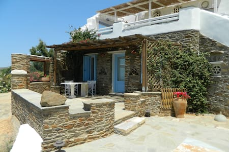 Sea Vie Exclusive-suite DELOS  - Tinos - Inap sarapan
