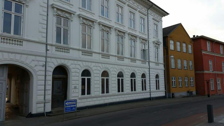 Moderne lejlighed i centrum  - Nakskov - Apartmen