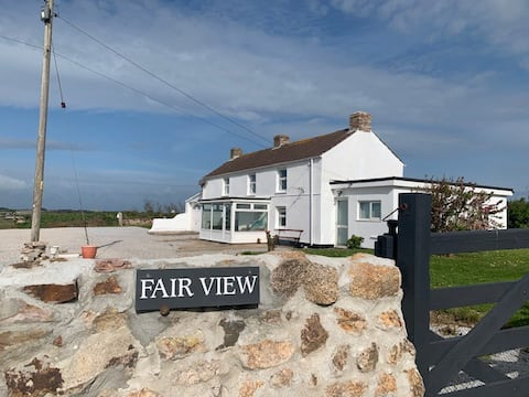 Fabulous 2 Bed Cottage with outstanding views