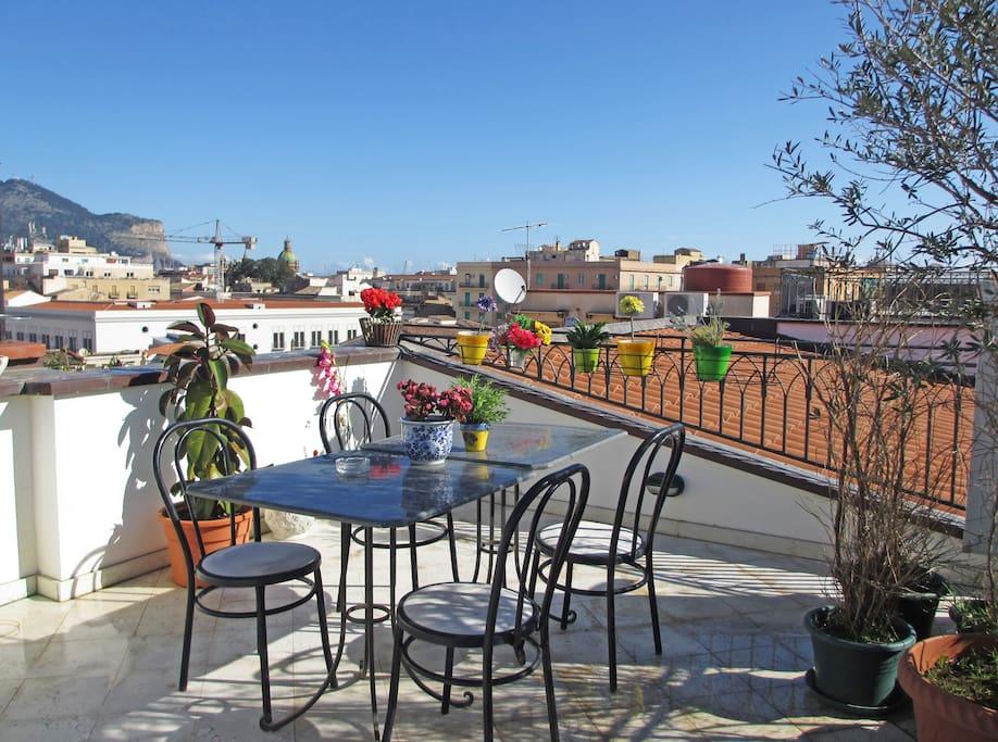 Terrazza in centro storico appartamenti in affitto a palermo sicilia italia - Bagno italia giuliana ...