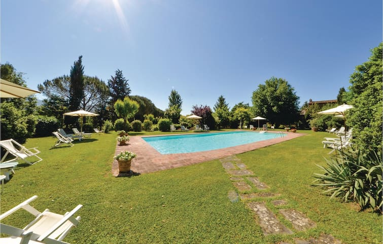 Holiday apartment with 2 bedrooms on 60 m² ITA457