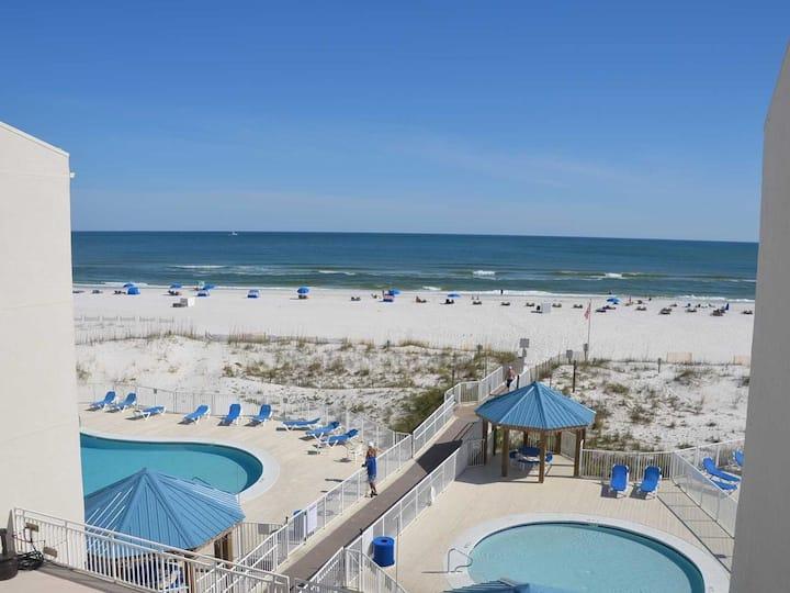 Adorable Beach Condo with Partial Gulf View 2/2