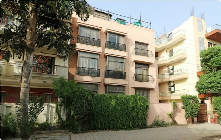 1 BHK Serviced Apartment in Gurgaon by Bedchambers