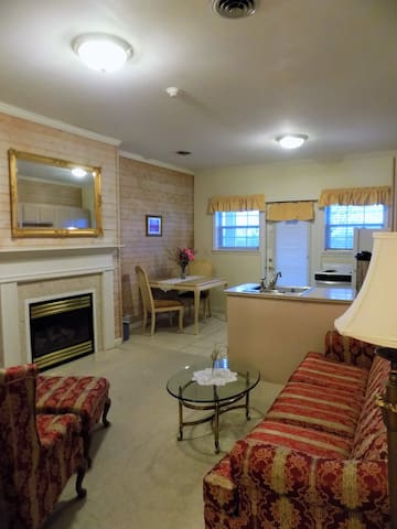 RUK18 · RUK18 · French country style Suite 18