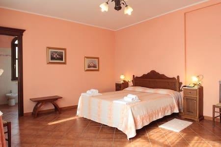 PACE RELAX E CULTURA - Villanovaforru - Bed & Breakfast