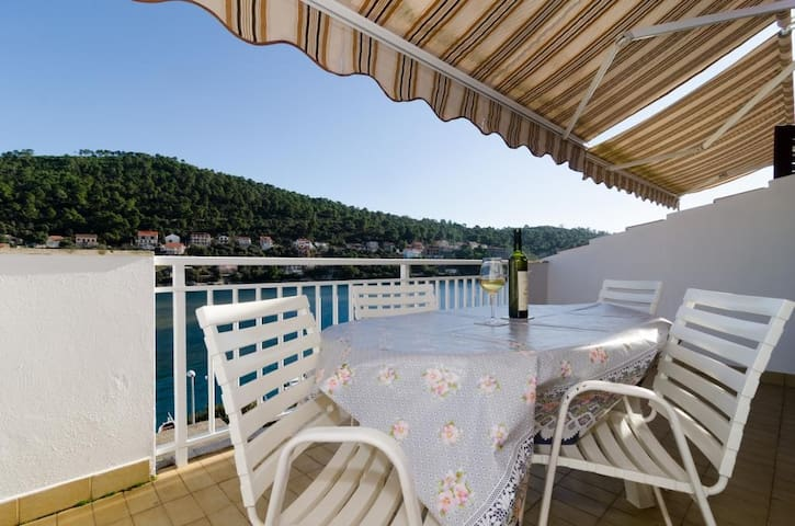 Kuzma - One-Bedroom Apartment with Balcony and Sea Vie