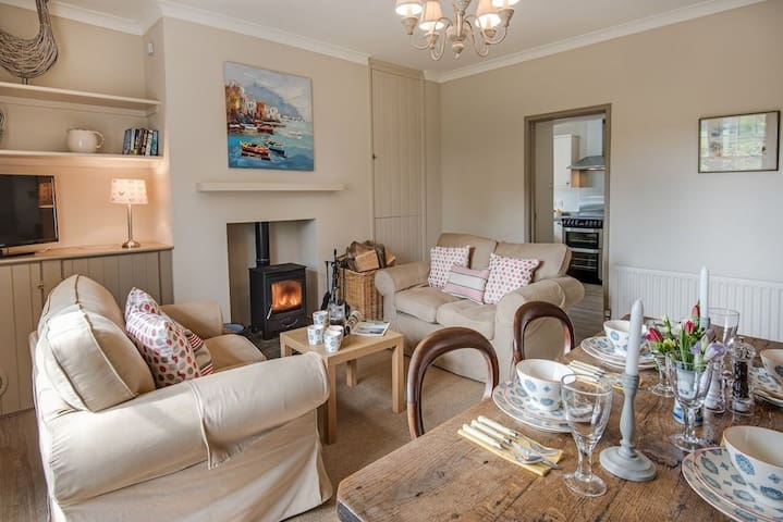 No. 9 Cottage - Cornhill-on-Tweed
