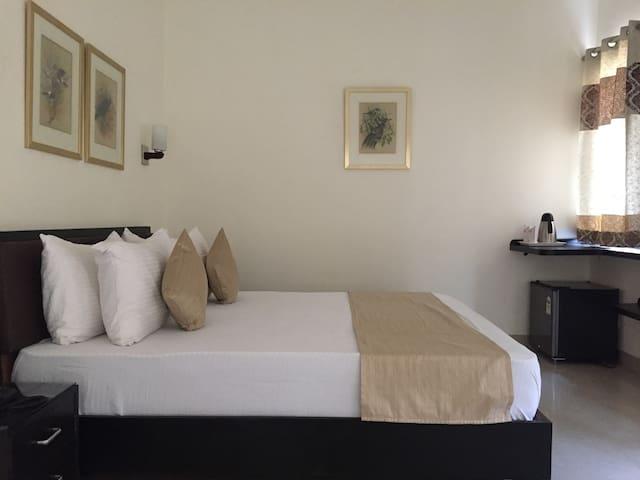 Luxury room near to kothalgate Dehradun
