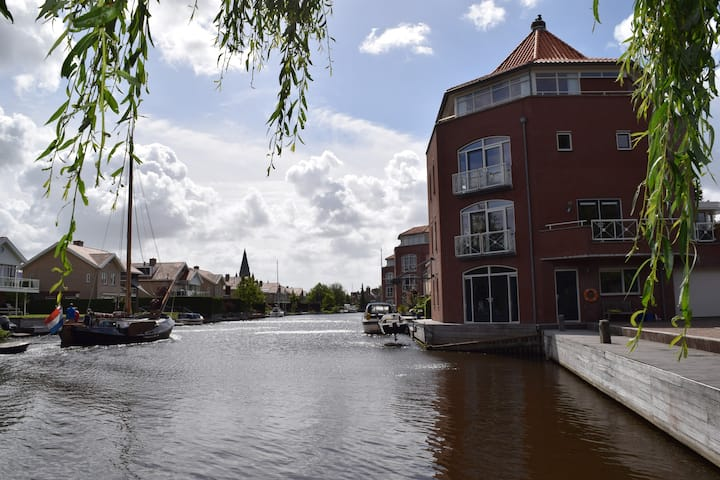 Luxurious penthouse by the water in Steenbergen