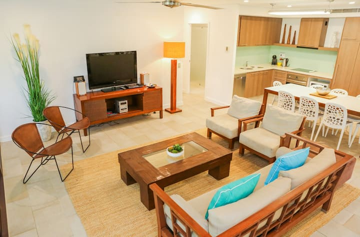 Perfect for families huge beachside Apartment 313