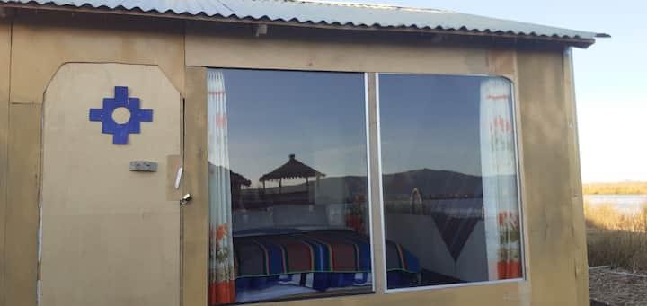 Uros Munay Uta Lodge