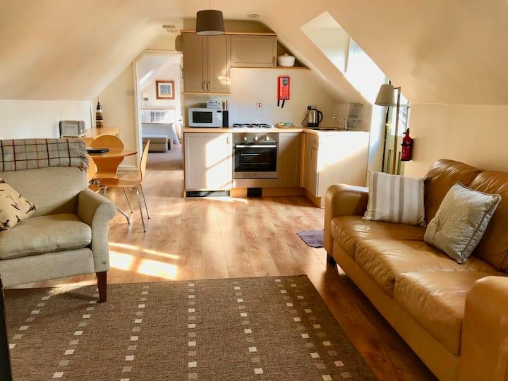 The Hayloft, Wonderful Riverside Accommodation