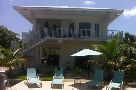 Snowscape a house in paradise! Enjoy the Keys!