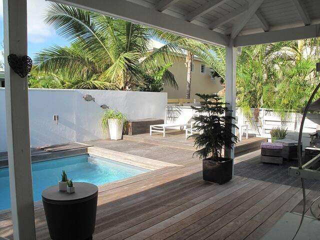 Very cosy villa close to the beach !