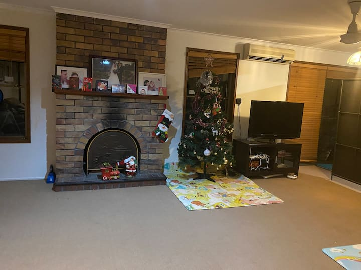 Great location and friendly family house!!!