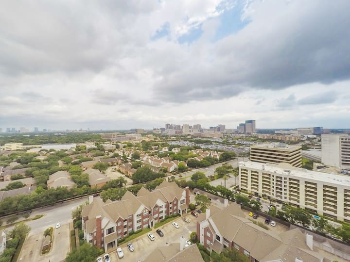 Famous City Plaza One BR Condo perfect location!
