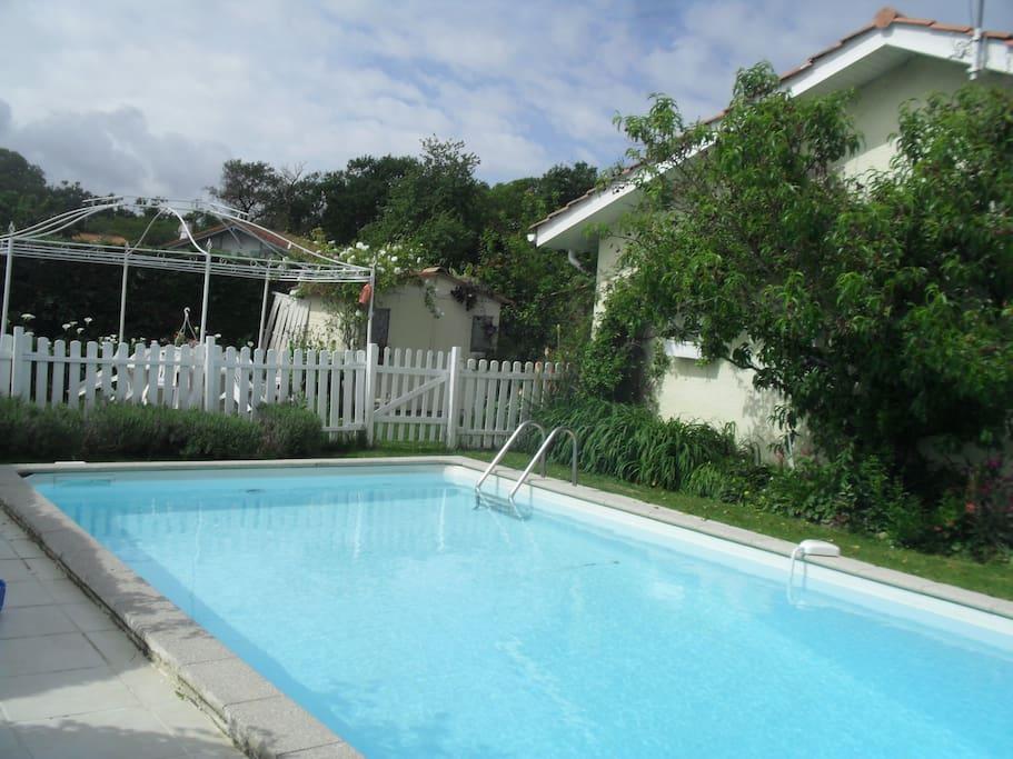 belle piscine....