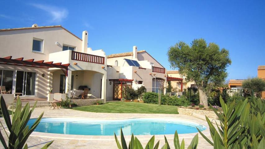 Villa Luxueuse avec Piscine Ecume 20