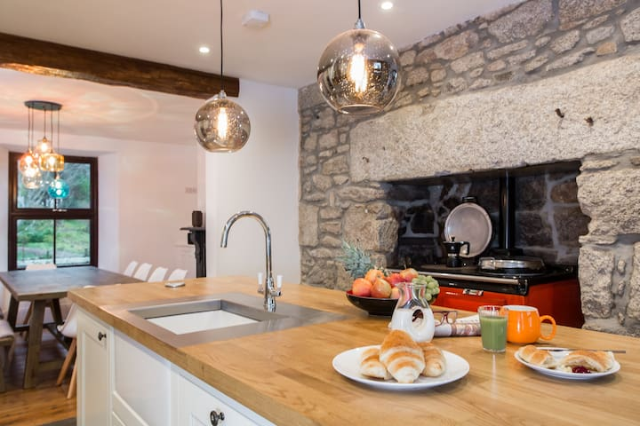 Boutique Cornish Farmhouse, Edge of Bodmin Moor