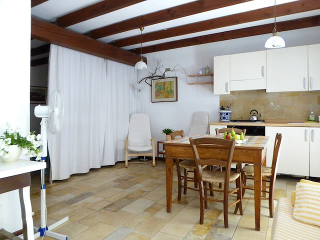 Cosy apartment 1 min to the lake I - Garda - Apartemen