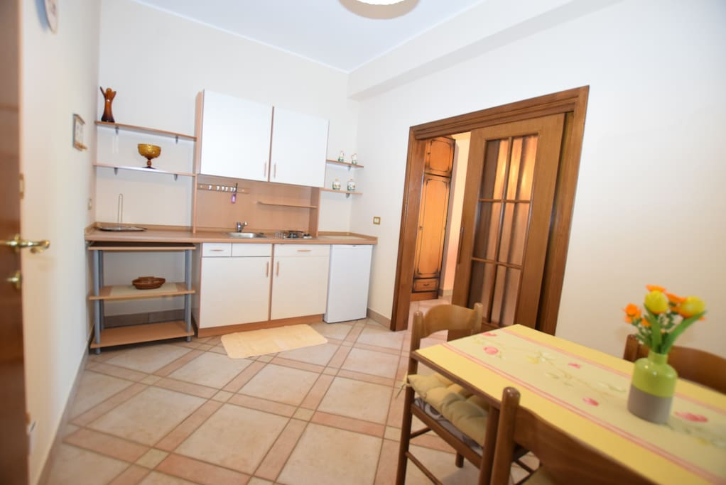Kitchen - ap for couple