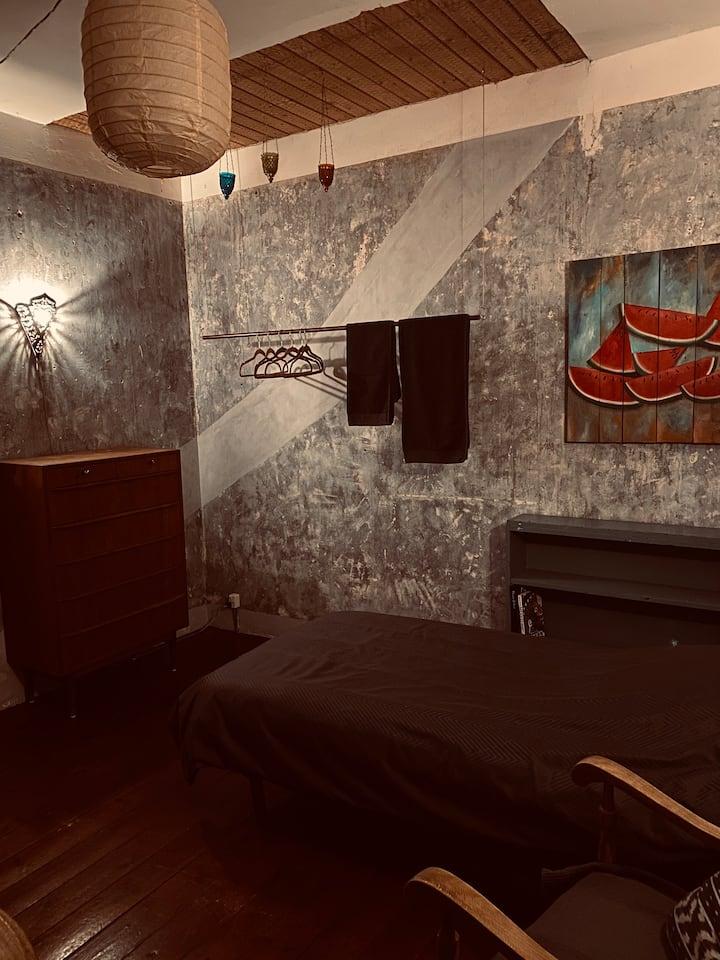 Lyst og venligt værelse i centrum