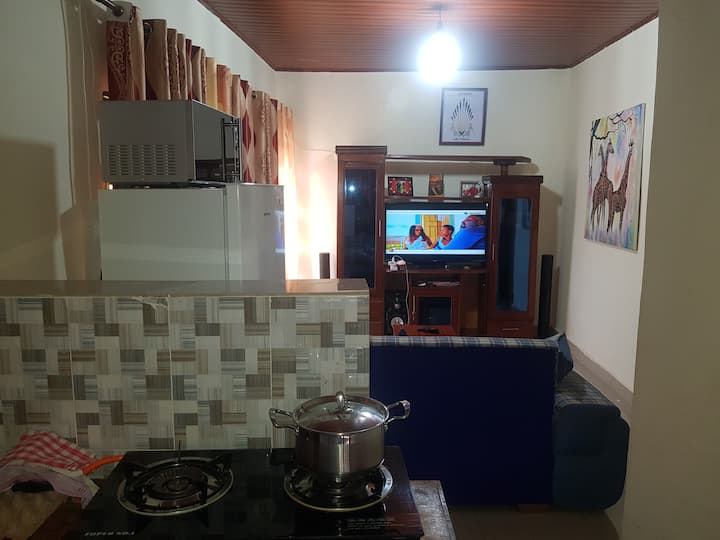 Sparkling 2 bedroom house in Nyamirambo with wifi
