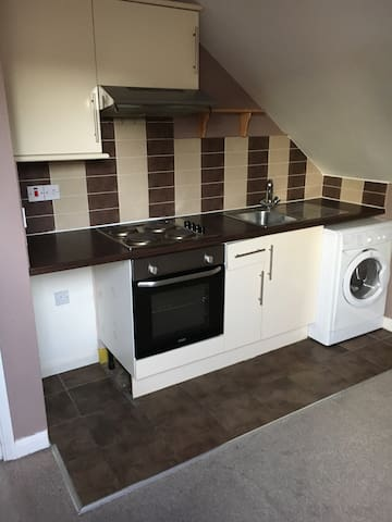 1 bedroom Apartment - Luton - Apartment