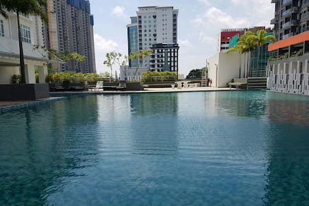 Luxury Skysuites @ Meldrum Hills - Johor Bahru - Rumah